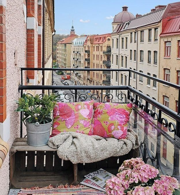 Ways to turn your Balcony into a Relaxing Paradise